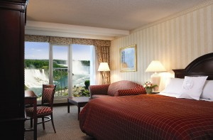 Make your romantic getaway special in a Fallsview King Room